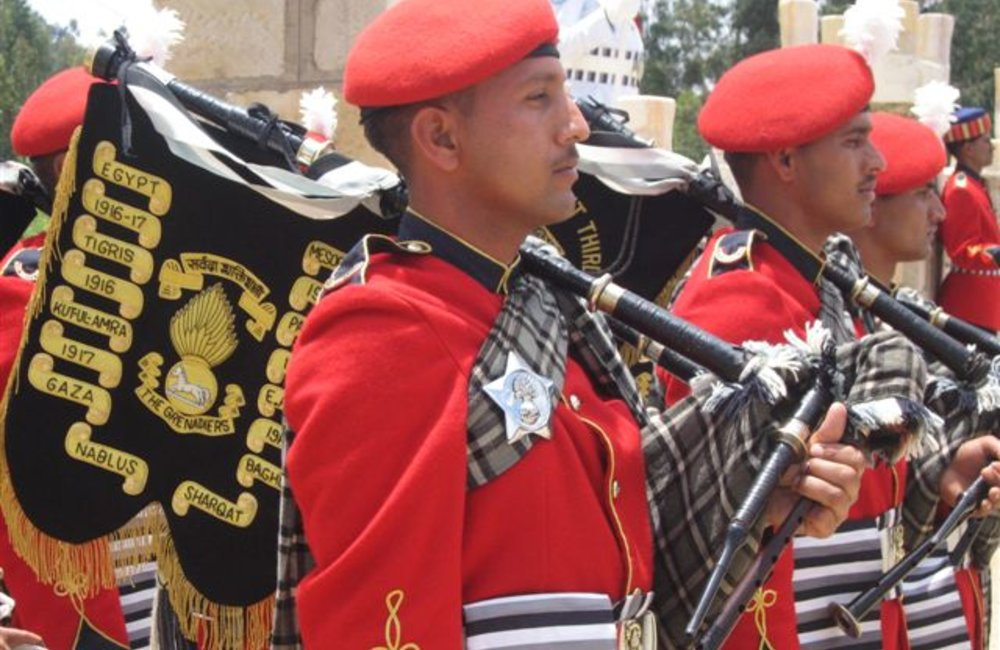 Pipers of the Grenadiers marching band in Adigrat, 4 August 2007 (UNMEE Photo: Ian Steele)